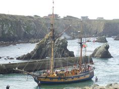 Hawaiian Chieftain arrives at Fort Bragg, Calif., in 2013. #travel #california #sailing http://historicalseaport.org/