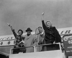 Marilyn and Joe DiMaggio depart Japan, February 1954.