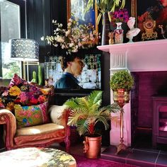 Shop The Look: Another Summer Home Decor Edition Modern home interiors and design ideas from the best in condos, penthouses and architecture. Plus the finest in home decor and products. Interior Design Living Room, Living Room Designs, Estilo Kitsch, Espace Design, Maximalist Interior, Boho Deco, Eclectic Decor, Home Decor Bedroom, Bedroom Colors