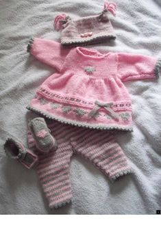 Crochet Dolls Design Angies Angels patterns - exclusive designer knitting and crochet patterns for your precious baby or reborn dolls, handmade, handknitted, baby clothes, reborn doll clothes~~ loads on this site Baby Knitting Patterns, Knitting For Kids, Baby Patterns, Free Knitting, Crochet Patterns, Knitting Tutorials, Knitted Baby Clothes, Baby Doll Clothes, Doll Clothes Patterns