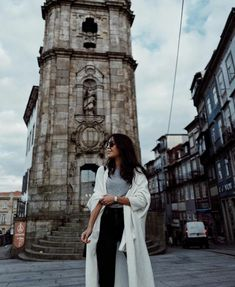 Uploaded by Ana Rita Vieira. Find images and videos about fashion, style and outfit on We Heart It - the app to get lost in what you love. Fashion Bible, Adventure Awaits, Brooklyn Bridge, Travel Style, Photography Poses, Costa, Travel Inspiration, Photoshoot, Pictures