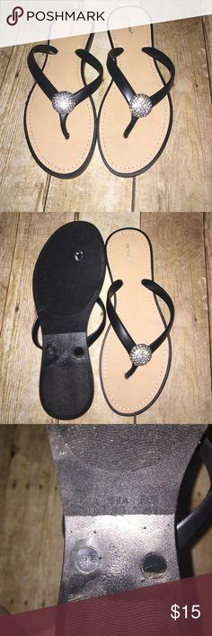 Joe Boxer flip flops with rhinestone accent sz: 10 Joe Boxer flip flops with rhinestone accent sz: 10 joe boxer Shoes Sandals