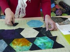 ▶ How to make a Charming Hexagon Quilt by machine - Quilting Tips  Techniques 078 - YouTube