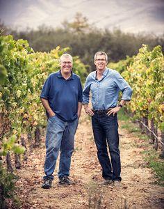 Charles Banks adquiere a Qupé Winery en Santa Maria Santa Maria Valley, Banks, Santa Barbara County, Wine Country, Men Casual, Couple Photos, California Wine, Mens Tops, Interview