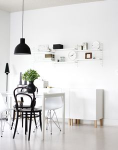 Black and white decor met thonet bistrot chair