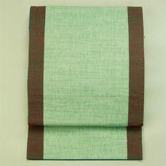 Fukuro obi / 街着の装いに 薄緑地 茶の縁取り柄 全通紬洒落袋帯    #Kimono #Japan  http://www.rakuten.co.jp/aiyama/
