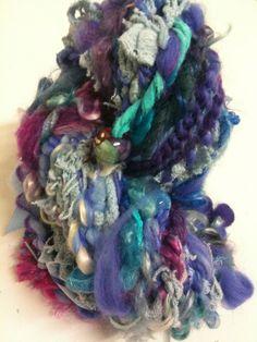 """Echeveau de laine filée au rouet """"froufrou"""" : Mercerie par le-temps-du-filage"""