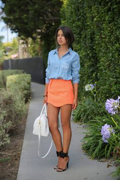 ahhh denim shirt coral skirt and those shoes are just fabulous Style Outfits, Mode Outfits, Summer Outfits, Summer Clothes, Coral Skirt, Orange Skirt, Neon Skirt, Orange Heels, Coral Orange
