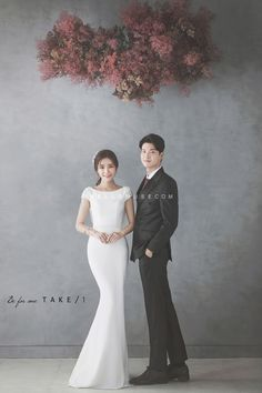 Korea pre wedding hellomuse studio Korea before the wedding hellomuse studio . Pre Wedding Photoshoot, Wedding Poses, Wedding Couples, Wedding Portraits, Wedding Dresses, Korean Wedding Photography, Couple Photography, Wedding Company, Wedding Album