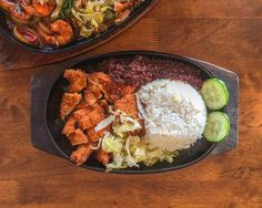 Nasi lalap served sizzling hot on hot plate at Sizzle. Love the Sambal  serve with the fried chicken. Sizzle specialize in sizzling hot plate meal and their shop is tidy and windy. Good place for hot plate food at Plaza 333. Sizzle Plaza 333 RM9 for Nasi Lalap 10am to 10pm no pork served