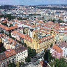 Praha ze Žižkovské věže