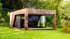 """Un casotto o una veranda lussuosa in giardino possono rappresentare spazi """"altri"""" rispetto alla casa, adatti al lavoro"""
