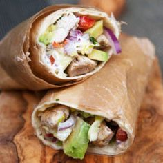 Chicken wrap with feta cheese and avocado. Everyday Food, Food For Thought, Wraps, Food Inspiration, Chicken Recipes, Good Food, Food Porn, Food And Drink, Healthy Eating