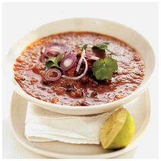 """Sopa de feijão-preto, imagem do livro """"500 Receitas Vegetarianas"""""""
