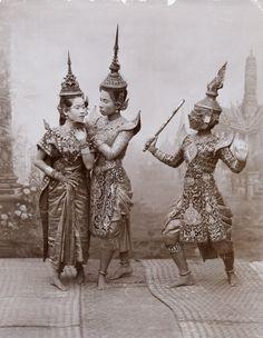 vintage Thai photo from the blog:  THE CORINTHIAN COLUMN: Bangkok