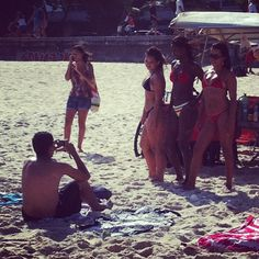 """en prenant la nouvelle photo de profil en facebook"", Praia do Arpoador — 2012"
