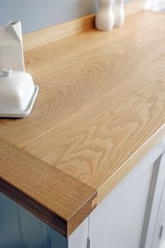 The ultimate luxury of Oak - the grain is so beautiful and always unique. Lovely to find an area of your kitchen to incorporate some warm, tactile Oak. Breakfast Bar Worktop, Breakfast Bars, Breakfast For Kids, Family Kitchen, Kitchen Nook, Breakfast At Tiffany's Costume, Oak Worktops, Larder Cupboard, Healthy Lunches For Kids