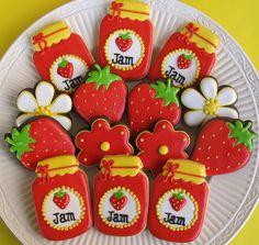 Strawberry jam cookies by The Cookie Loft Girls Mason Jar Cookies, Jam Cookies, Fancy Cookies, Iced Cookies, Cute Cookies, Royal Icing Cookies, Cookies Et Biscuits, Sweet Cookies, Galletas Decoradas Royal Icing
