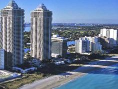 Luxury Condo, Luxury Homes, Miami Beach Condo, Places Ive Been, Skyscraper, Beautiful Places, Multi Story Building, Htm, Real Estate