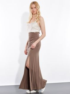 Maxi viscose with deep slit up on side