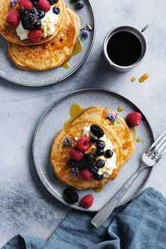 A world of Thermomix® recipes - Cookidoo® brings you delicious food all over the world. With thousands of recipes and ideas, you'll find mouth-watering inspiration every time you log in. Banana Oats, Banana Pancakes, Rich In Protein, Food Shows, Healthy Treats, Serving Dishes, Whole Food Recipes, Yummy Food, Baking