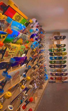 Skateboard Deck Art, Skateboard Design, Rangement Art, Indie Photography, Estilo Indie, Indie Girl, Aesthetic Indie, Skate Photos, Indie Fashion