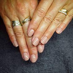 #shellac #cnd #permanentlack #nudenails #nude #natural #naturella #nails