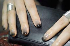Edgy gradient manicure
