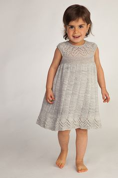 Vivi_Muti_Dress_5_2013-1567 by lottieda2, via Flickr  þessi er til í handprjón