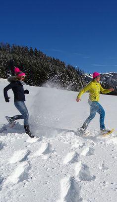 Spaß im Schnee. Schneeschuhwandern in der Region Murtal. #passhöhe #hohentauern #hotelpasshöhe #restaurantpasshöhe #schneeschuhwandern Cafe Restaurant, Das Hotel, Winter, Mount Everest, Summer Vacations, Winter Time, Winter Fashion