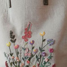 """""""들판 위의 꽃들"""" #프랑스자수 #embroidery #자수가방"""