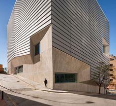 García de Paredes, Angela / García Pedrosa, Ignacio   Biblioteca Pública en Ceuta