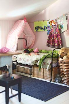 Tamperelaiskodin lastenhuoneessa saa leikkiä. | Unelmien Talo&Koti Kuva: Jari Lifländer Toimittaja: Lilli Laine