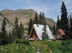 Tagert Hut A Frame House Plans, A Frame Cabin, Triangle House, Small Cottages, Colorado Homes, Mountain Homes, Cozy Cottage, Cabin Fever, Cabin Ideas