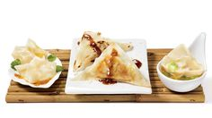 Satisfy your deepest asian cuisine cravings with this easy Vegetable dumplings with Asian-style sauce recipe. Slow Cooker Lasagna, Slow Cooker Soup, Slow Cooker Recipes, Best Soup Recipes, Spicy Recipes, Appetizer Recipes, Appetizers, Vegetable Dumplings, Shrimp Dumplings