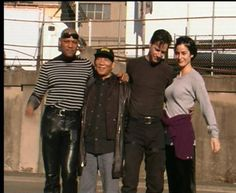 Laurence Fishburne, Keanu Reeves and Carrie-Anne Moss during the Matrix days Keanu Matrix, Matrix Film, Sf Movies, Movie Tv, Keanu Reeves Speed, Carrie Anne Moss, Keanu Reaves, John Stamos, The Boy Next Door