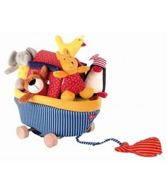 This wonderful boat with many animals helps children develop their imagination. Squeaker, rattle and little bells do awake their inquiring mind. Children can also pull along the boat. This helps them develop their sense of co-ordination.