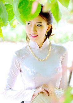 Cataleya Diep (3)   Áo Dài Việt Nam - Tôn vinh vẻ đẹp Việt! …   Flickr