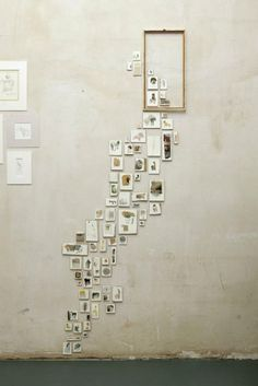 We have gathered many gorgeous wall display and gallery wall ideas that you can create easily for your home! Check out these ideas and get right to it! Display your photos! Collage Mural, Home And Deco, Photo Displays, Installation Art, Interactive Installation, Interactive Art, Art Installations, Decoration, Sweet Home