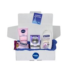 "NIVEA Geschenk-Set ""Cashmere"" mit Cashmere Moments Creme-Öl-Dusche, Expert Lift Tagespflege, Cremige Waschemulsion, Passion Fruit & Milk Proteins Seife, in der NIVEA Geschenkbox: http://shop.nivea.de/nivea-geschenkset-cashmere.html #Geschenk #NIVEA #Weihnachten #Box"