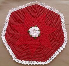 Toalha redonda de crochê. Table centerpiece crochet.