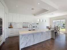 Photo of a modern kitchen-dining kitchen using hardwood from the kitchen image galleries - Kitchen photo Browse hundreds of images of modern kitchens & photos of kitchen-dining kitchen designs. Most Popular Kitchen Design Ideas on 2018 & How to Remodeling Home Decor Kitchen, Rustic Kitchen, Kitchen Interior, New Kitchen, Home Kitchens, Modern Kitchens, Kitchen Dining, Kitchen Ideas, Kitchen Planning