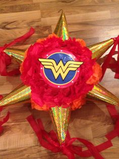 Wonder woman piñata                                                                                                                                                                                 Más