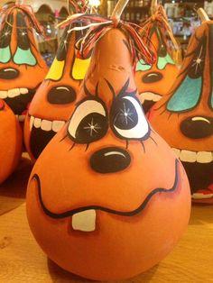Untitled Halloween Gourds, Fall Halloween, Halloween Crafts, Halloween Decorations, Halloween Items, Decorative Gourds, Hand Painted Gourds, Painted Pumpkins, Light Bulb Crafts