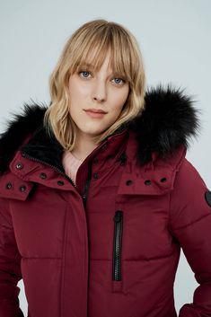 Winter Parka, Winter Jackets, Meg Ryan, Anatomy Reference, Comfortable Fashion, High Collar, Fur Trim, Blondes, Strong Women