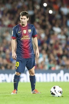"""Someone else wrote it well, """"Just look at him. Even dudes will fall for him."""" - Lionel Messi"""