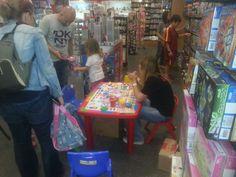 Şaşınbakkal mağazamızdaki Lets Oyun Hamuru aktivitesi