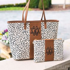 Calling all leopard lovers! These personalized leopard tote bags were made for you! The light leopard tote is printed on natural cotton canvas, and the tan leopard tote is made of faux calf hair. Monogram Tote Bags, Printed Tote Bags, The Sweetest Thing Blog, Leopard Clutch, Marley Lilly, Best Bags, Leather Design, Martini, Purses