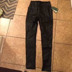 Lysse Black Vegan Leather Leggings Beautiful vegan leather leggings. Wish I could pull these off. New with tag. Size small stretchy. Flattering lengthening seam down back. Lysse Pants Leggings