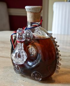 Like to get a vintage bottle of cognac for my wedding. Then, I can pair it with an expensive bottle of Moët. Later, I can use it as a decanter with fond memories. Here: Rémy Martin Louis XIII Grande Champagne Cognac, unknown age. Cigars And Whiskey, Scotch Whiskey, Bourbon Whiskey, Alcohol Bottles, Liquor Bottles, Tequila, Fun Drinks, Alcoholic Drinks, Cocktails